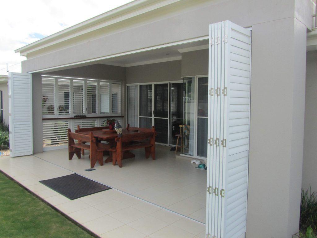 shutters-external-bi-foldwhite-aluminium-window-sublime5